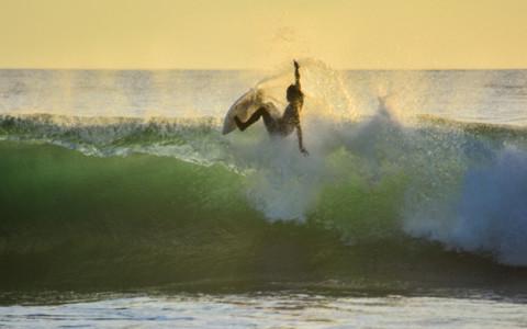 Torneo de Surf The Backyard Playa Hermosa, Costa Rica